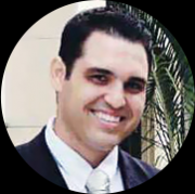 Dr. Lucas dos Santos Garrido